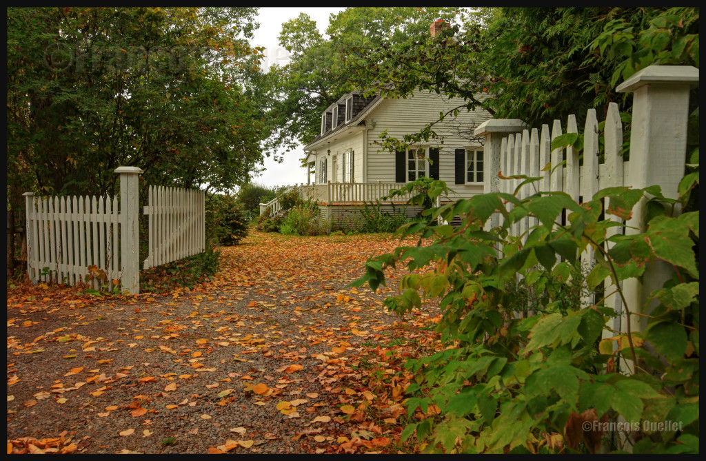 Une maison de Sainte-Pétronille, sur l'Île d'Orléans, automne 2012. Photo HDR.