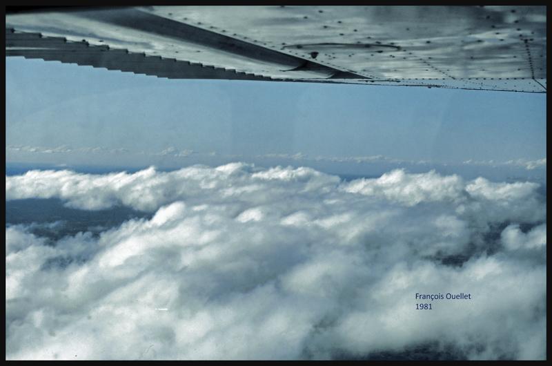 """VFR """"on top"""" avec un Cessna C170B en 1981 au-dessus du Canada"""