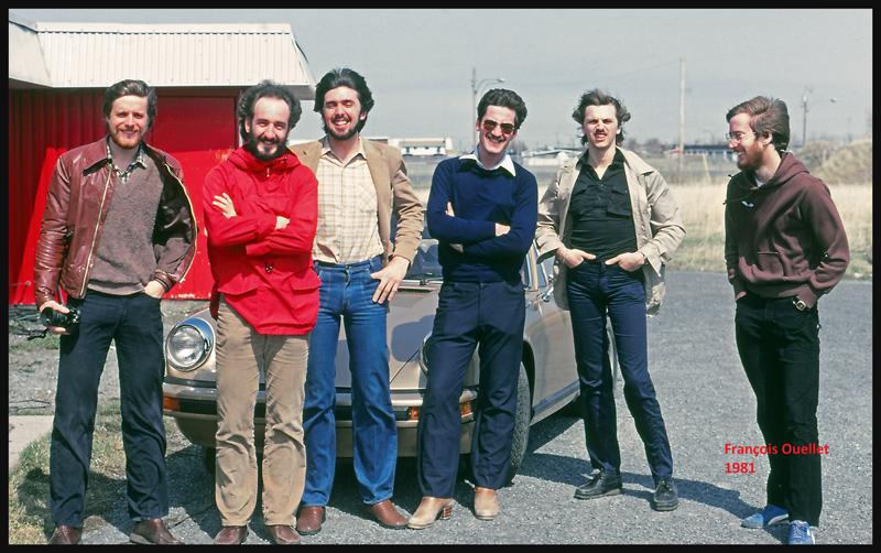 Un groupe d'instructeurs de vol travaillant à St-Jean-sur-Richelieu en 1981