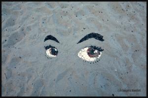 Oeuvre d'art sur la plage de Willows Beach, Victoria, 2014