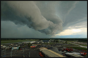 A roll arcus cloud ahead of a thunderstorm heading for Quebec City in 2012
