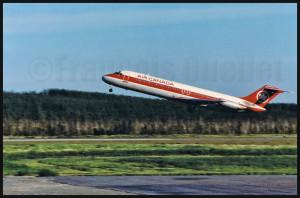 Décollage d'un DC-9 d'Air Canada par beau temps