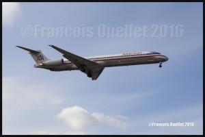 American Airlines MD-82 N482AA en finale 05 Toronto 2016