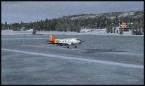 Un DC-3 sur skis à quelques pieds au-dessus de la piste de glace de Homer (FSX), produit de la compagnie ORBX