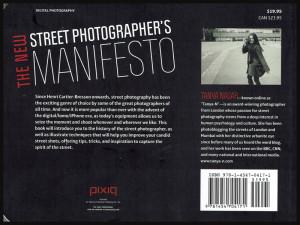 "Endos du livre de photographie ""The new street photographer's manifesto"""
