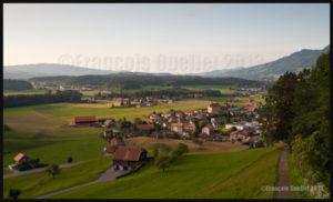 La région de Gruyères au coucher de soleil, Suisse 2013