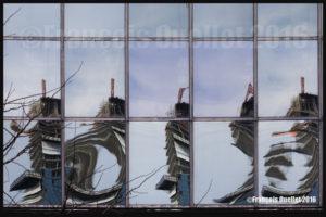 Reflets de bâtiments à Toronto (2016)