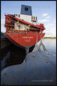 Le navire vraquier Venture (de la compagnie CSL) à Montréal en 2016.