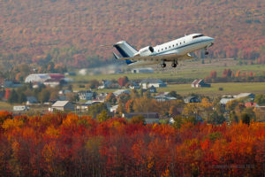 Government of Quebec Challenger CL-600 C-GQBQ airborne from the Québec Jean-Lesage international airport