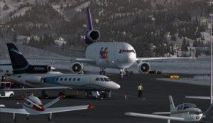 Un MD-11 de FedEx circule sur la rampe à l'aéroport de Telluride (KTEX) (FSX)