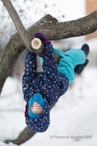 Enfant s'amusant au parc de l'Amérique-Française lors du Carnaval de Québec 2017