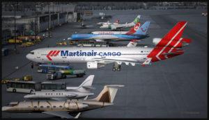 MD-11F virtuel de Martinair Cargo stationné à l'aéroport de Innsbruck