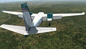L'aéroport de Port Moresby Jacksons (AYPY) est en vue en haut au centre de la photo.