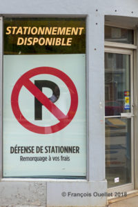 Stationnement disponible mais interdit.