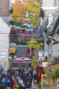 Autumn-colors-in-the-Petit-Champlain-web