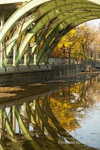 Autumn-reflections-in-Ottawa-2015-web