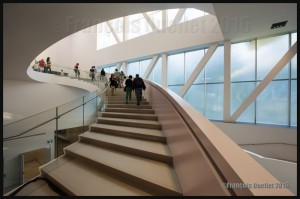Escalier-du-Pavillon-Pierre-Lassonde-2016-web