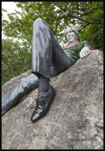 IMG_7081-Oscar-Wilde-sculpture-in-Dublin-2015-web