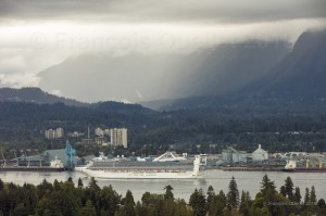 MV-Golden-Princess-in-Vancouver-2018-web