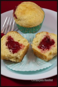 Muffins-strawberry-jam-web