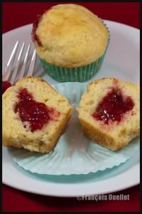Muffins-strawberry-jam-web